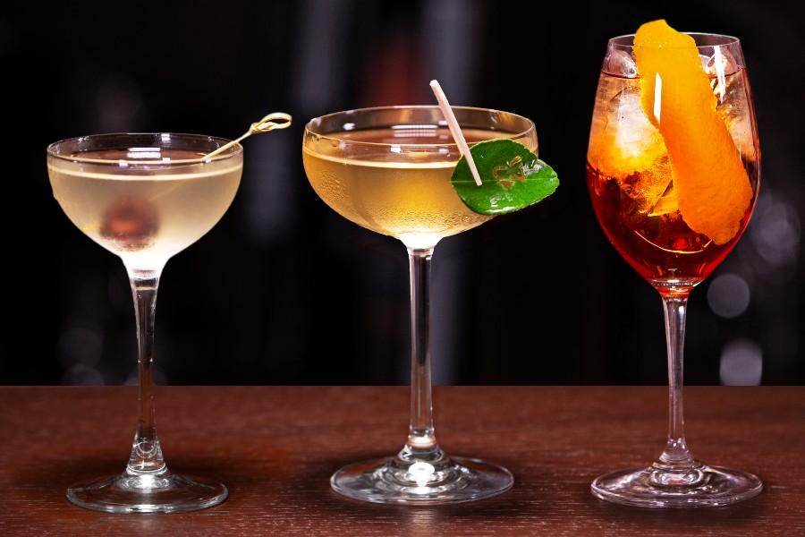 Коктейли с вермутом: Lacto Martini, Celery Bamboo и Табаков Спритц