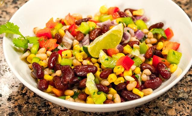 Мексиканский салат из фасоли